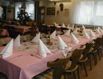 Wer Einkehr in der Krone hält, hat eine gute Wahl getroffen. Typische Schwäbische Gastlichkeit und freundlicher Service bieten wir in unserem Gasthof. .